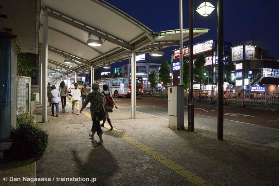 夜のあざみ野駅